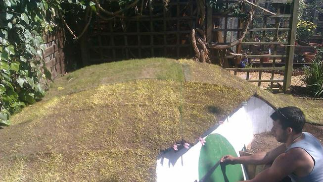 diy-hobbit-house-backyard-ashley-yeates-14