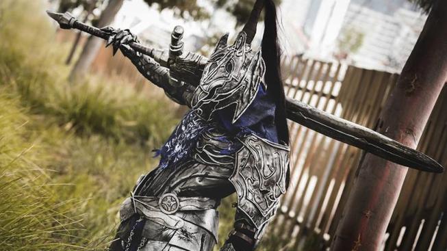 Temný a úžasný Dark Souls cosplay