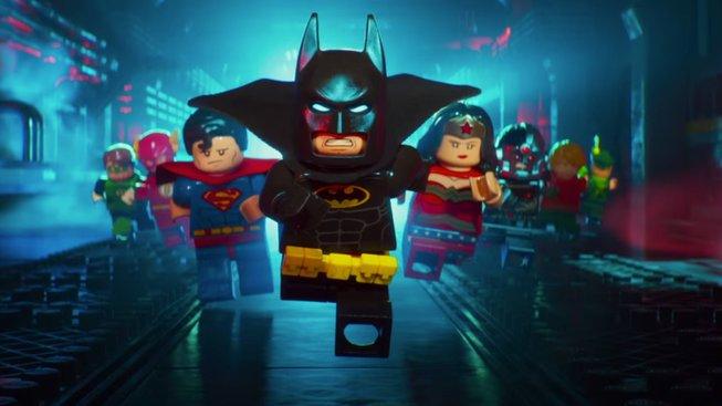 LEGO Batman telefonuje do obchodu s hračkami