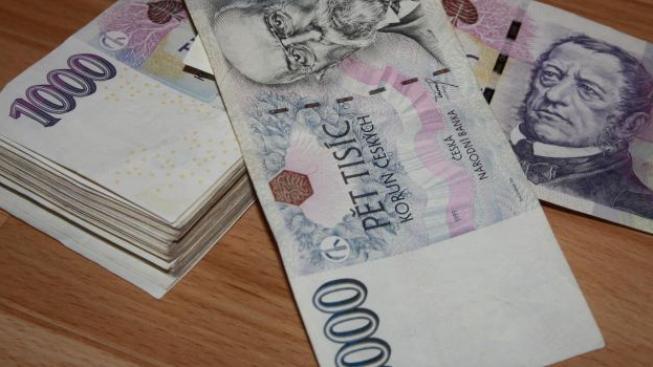 Přes osm miliard korun přitom podle kontrolorů vůbec nemělo opustit účty ČEB, z toho u úvěrů za 4,2 miliardy ČEB porušila zákon o bankách, Foto:Radka Malcová