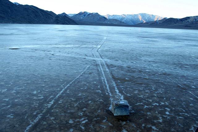 Kameny, putující po ledu
