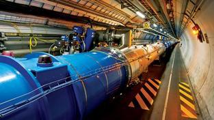 LHC prošel modernizací, která mu, zdá se, prospívá