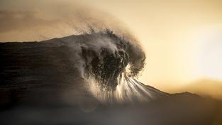 Povrch prastarého Marsu mohly bičovat vlny tsunami