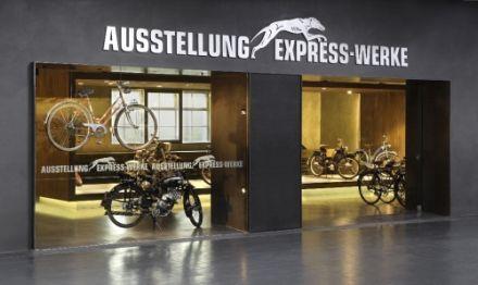 125 let automobilu