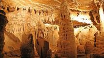 Opravdová rarita: Jeskyně, která je osvětlena LED diodami