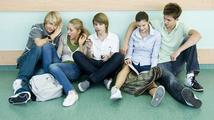 Experti kroutí hlavami: Stát finančně zvýhodňuje školáky před vysokoškoláky