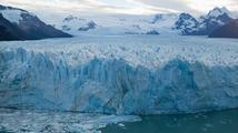 Tání ledovců v Grónsku a na Antarktidě je prý stále rychlejší