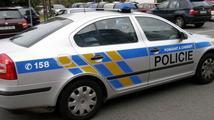 Kvůli otravám alkoholem policie zadržela další dva muže