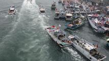 Desítky tchajwanských lodí pronikly ke sporným ostrovům Senkaku