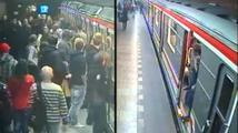Drsná rvačka fanoušků Slavie a Sparty v metru! Policie hledá svědky