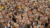 Na Oktoberfestu v Mnichově se už vypilo 3,6 milionu litrů piva