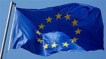 Nad Hradem zavlála vlajka EU, vztyčili ji Zeman a Barroso