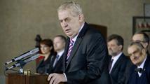 Zeman v Senátu slíbil, že nebude zbytečně vetovat žádné zákony
