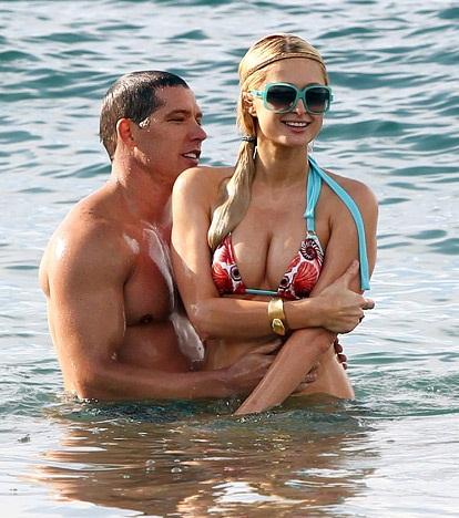 Paris Hilton a Cy Waits