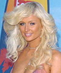 Paris Hilton s dlouhými vlasy
