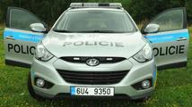 Při policejním zásahu u Prahy byl postřelen člověk. Posléze zemřel
