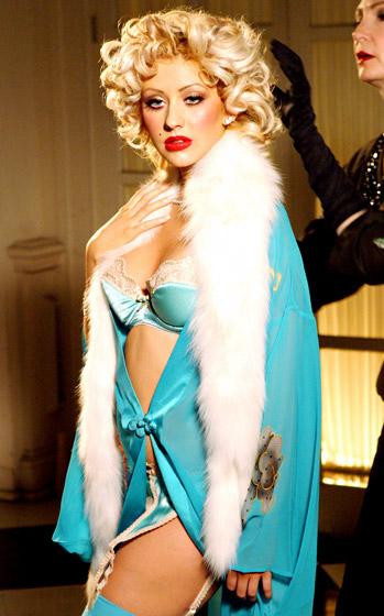 Christina Aguilera, rok 2004