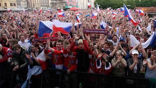 Bude o víkendu na Staroměstském náměstí plno jako obvykle při velkých zápasech?