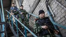 V Doněcku prý na ukrajinské vojáky pálí ruské raketomety. Umírají i civilisté