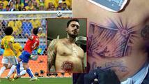 Tetování Chilana Pinilly číslo 24: jeho břevno v osmifinále fotbalového MS proti Brazílii…