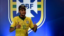 Neymar může vyhrát aspoň Zlatý míč! Zato anglická liga dostala další ránu