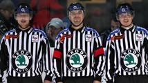 Rozhodčí v extralize budou mít po vzoru NHL na dresech místo jmenovek čísla