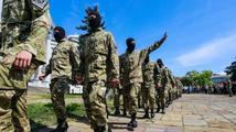 Ruská organizace žebrá v Srbsku. Na uniformy a zbraně pro proruské radikály