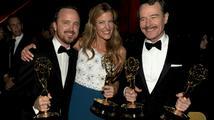 Cenu Emmy získaly seriály Taková moderní rodinka a Perníkový táta
