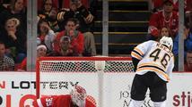 Krejčí utnul sérii porážek Bostonu, na ledě Detroitu dvakrát skóroval