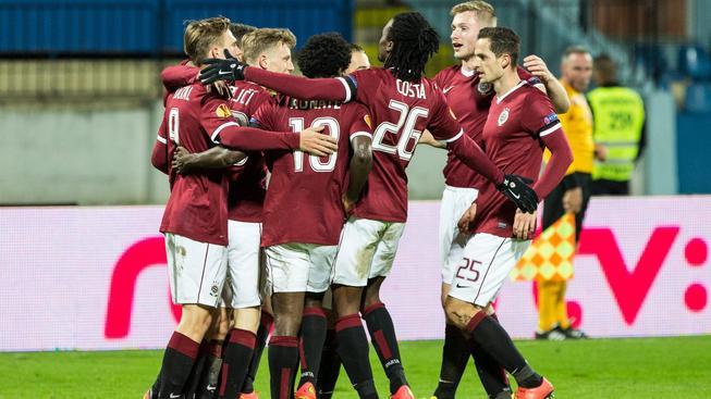 Sparta vyhrála na půdě Slovanu 3:0, fotbal zastínily výtržnosti fanoušků