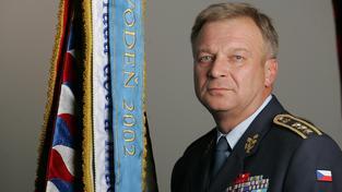 Generál Vlastimil Picek, bývalý ministr obrany a dnes poradce prezidenta Zemana