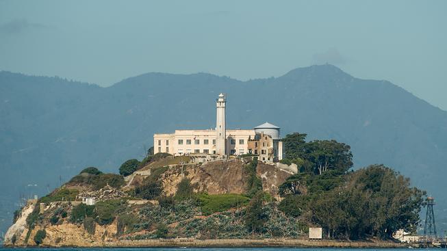 Čínský umělec a disident Aj Wej-wej vystavuje v Alcatrazu