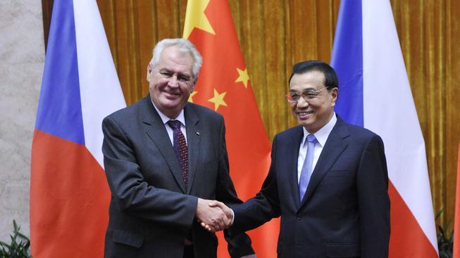 Zeman pochleboval Číně. Věří prý v připojení Tchaj-wanu