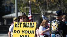 Obama se před volbami mítinků neúčastní. Raději shání demokratům peníze