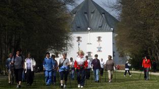 Obora Hvězda je populární destinací pro procházky i sportovní aktivity
