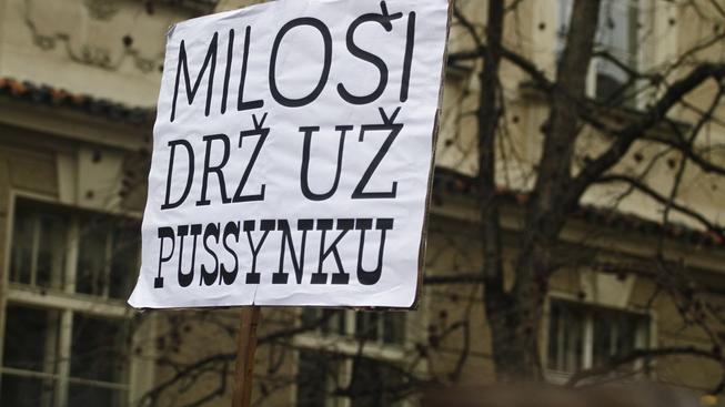 Zemanovy vulgarismy vyvolaly pobouření, lidé proti prezidentovi dokonce 17. listopadu protestovali