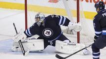 NHL: Pavelec hvězdou zápasu, Voráček vyrovnal Crosbyho