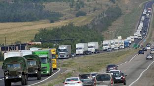 Na východ Ukrajiny míří už desátý humanitární konvoj z Ruska (snímek ze srpnového konvoje)