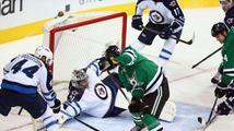 Palát se v NHL blýskl 2 góly, Pavelec s Mrázkem vychytali výhry