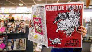 Do francouzských trafik dorazilo nové vydání týdeníku Charlie Hebdo, obnovuje týdenní periodicitu