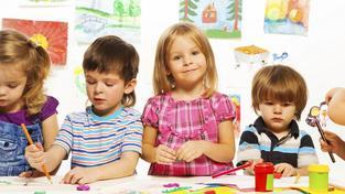 Školky mohou i nadále přijímat jen očkované děti (ilustrační snímek)