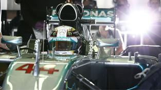 Hamilton v sobotu vyhrál kvalifikaci na Velkou cenu Malajsie