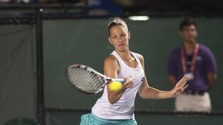 Ve čtvrtfinále bude její soupeřkou Němka Petkovicová