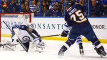 Pavelec táhne Winnipeg do play off, podruhé za sebou vychytal nulu