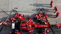 Rudé vozy z Maranella našly ztracenou rychlost. Dokážou potrápit Mercedes?