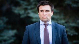 Ukrajinský ministr zahraničí Pavlo Klimkin připustil, že Kyjev bude jenom z řádně zvolenými donbaskými politiky