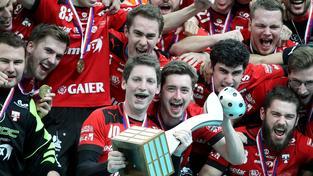 Radost hráčů Tatranu po zisku šestnáctého titulu