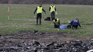 Vyšetřovatelé znovu prohledávají místo havárie malajsijského letadla
