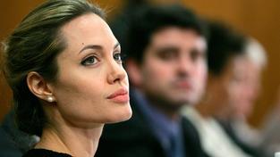Hollywoodská kráska Angelina Jolie volá po tom, aby se konflikt v Sýrii vyřešil