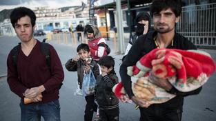 Skupinka uprchlíků z Afghánistánu, která měla štěstí, že přežila cestu